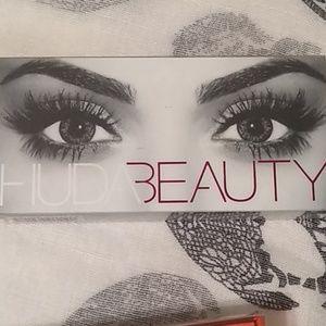 HUDA BEAUTY Makeup - Lashes + lip color Huda Tarte New products